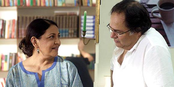 Deepti Naval and Farooque Shaikh in Listen Amaya