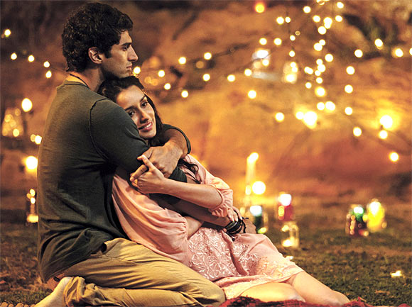 ditya Roy Kapoor and Shraddha Kapoo in Aashiqui 2