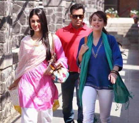 Kareena Kapoor, Hazel Keech and Salman Khan in Bodyguard