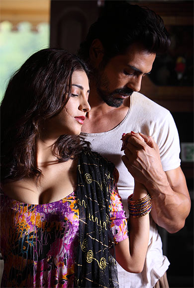 Shruti Haasan and Arjun Rampalin D Day