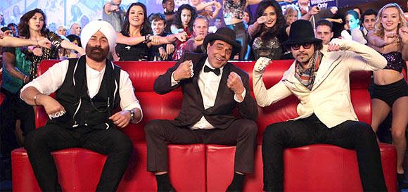 Sunny Deol, Dharmendra and Bobby Deol in Yamla Pagla Deewana 2