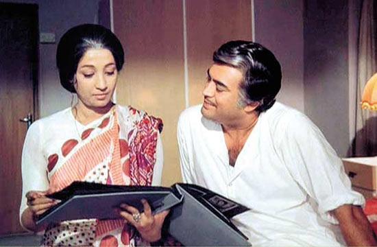 Suchitra Sen and Sanjeev Kumar in Aandhi
