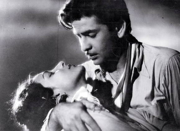 Nargis and Raj Kapoor in Barsaat