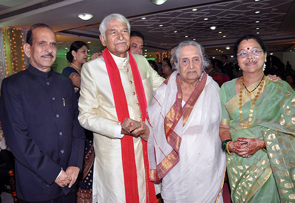 Manohar Joshi, Ramesh and Seema Deo and Sulochana