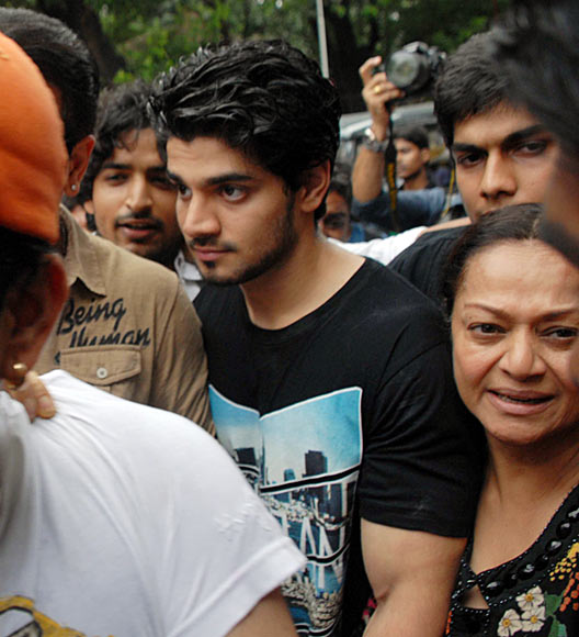 Suraj Pancholi with mother Zarina Wahab
