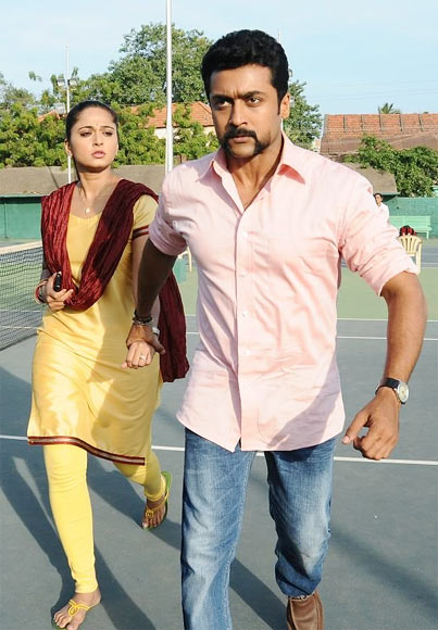 Suriya and Anushka Shetty in Singham 2