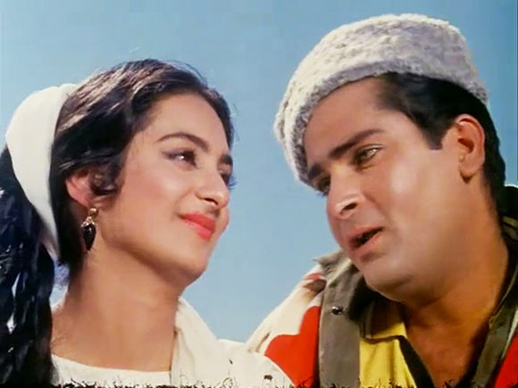 Saira Banu and Shammi Kapoor in Junglee