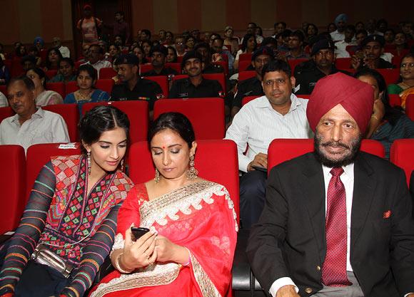Sonam Kapoor, Divya Dutta, Milkha Singh