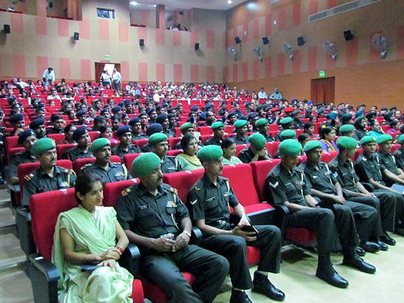 Auditorium full of army men watch Bhaag Milkha Bhaag