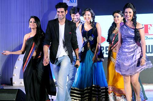 Rucha Hasabnis, Vishal Singh, Barkha Bisht and Divyanka Tripathi