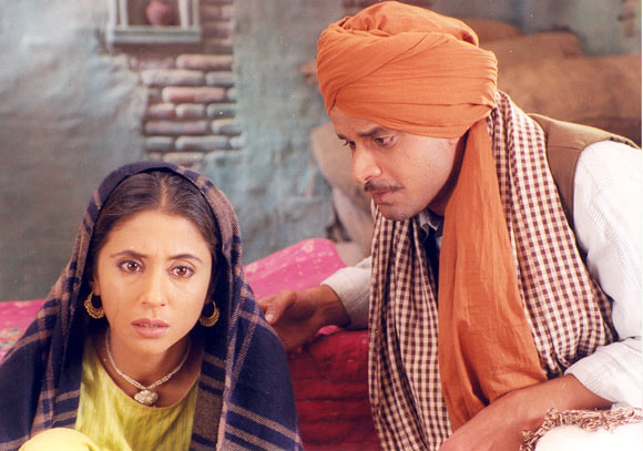 Urmila Matondkar and Manoj Bajpayee in Pinjar