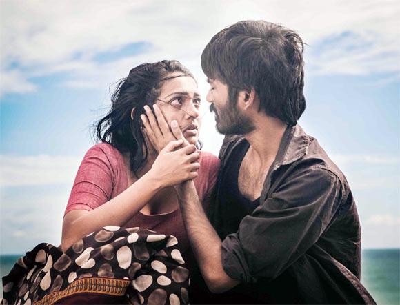 Parvathy and Dhanush in Mariyan