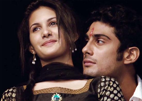 Amyra Dastur with Prateik in Issaq