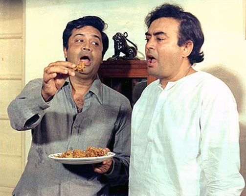 Deven Verma and Sanjeev Kumar in Angoor