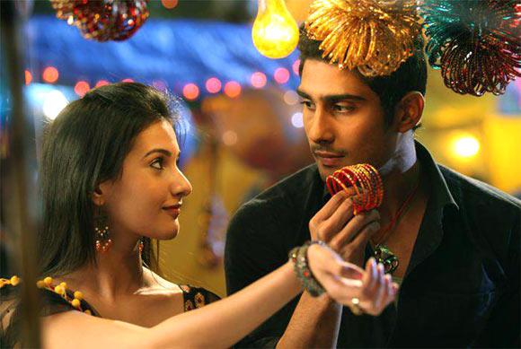 Amyra Dastur and Prateik in Issaq