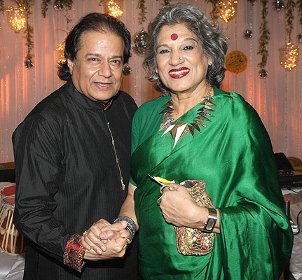 Anup Jalota and Dolly Thakore
