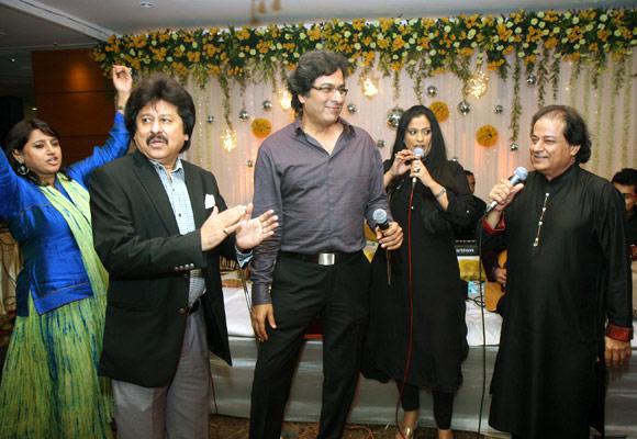 Kavita Seth, Pankaj Udhaas, Talat Aziz, Richa Sharma and Anup Jalota