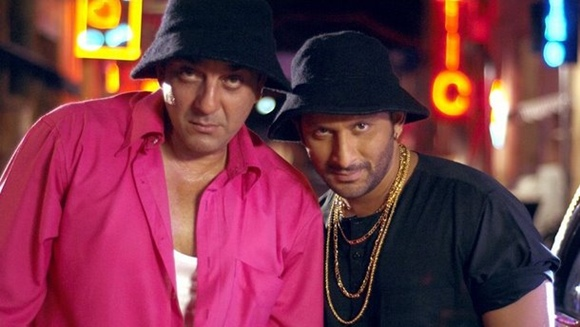 Sanjay Dutt with Arshad Warsi in Lage Raho Munnabhai