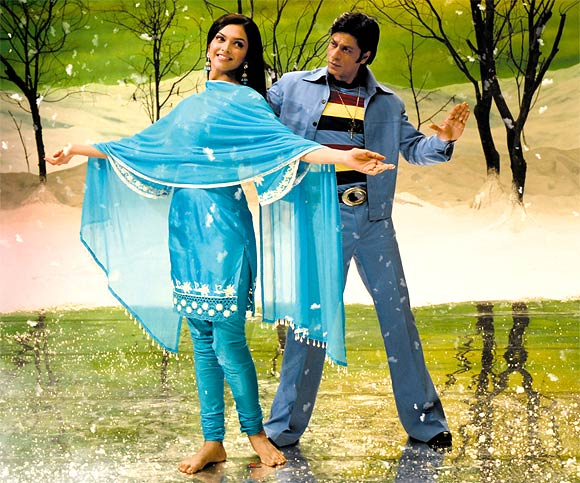 Shah Rukh Khan and Deepika Padukone in Om Shanti Om