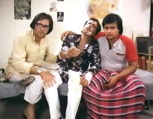 Farookh Shaikh, Ravi Baswani and Rakesh Bedi in Chashme Buddoor