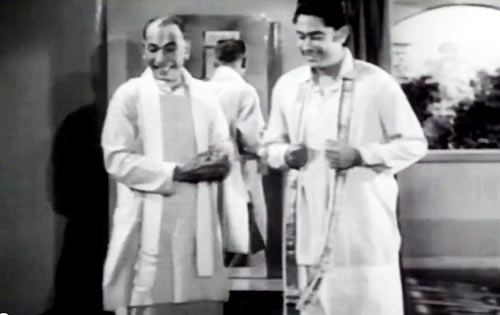 Kishore Kumar (right)in New Delhi