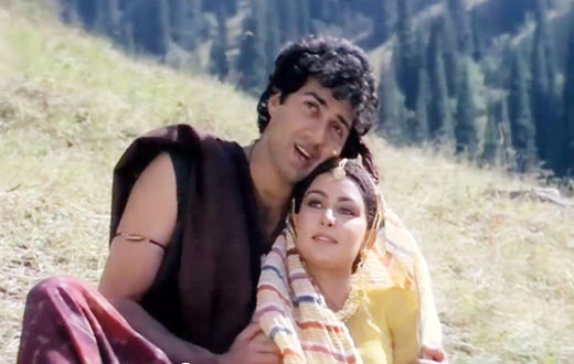 Sunny Deol and Poonam Dhillon in Sohni Mahiwal