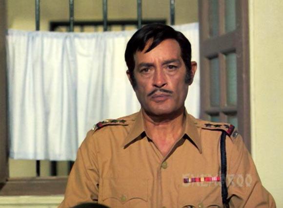 Iftekar in a lesser known Sunil Dutt-Shashi Kapoor starrer Ganga Aur Chand