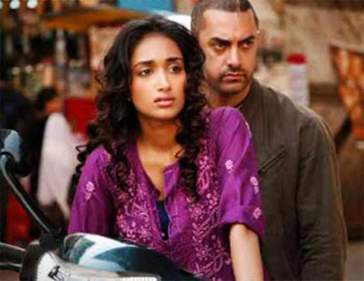 Jiah Khan and Aamir Khan in Ghajini