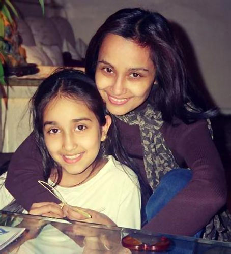 Jiah Khan with her mother Rabbiya Khan