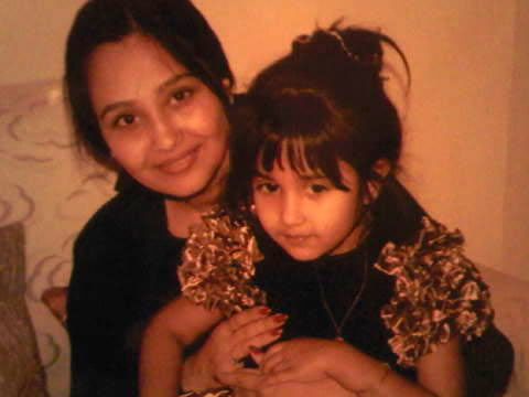 Jiah Khan with mother Rabbiya Khan