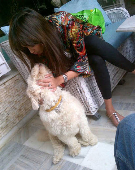 Jiha Khan with her pet dog