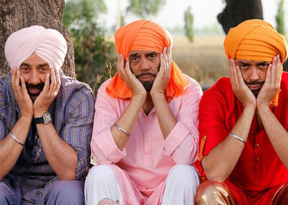 Dharmendra, Sunny and Bobby Deol in Yamla Pagla Deewana 2