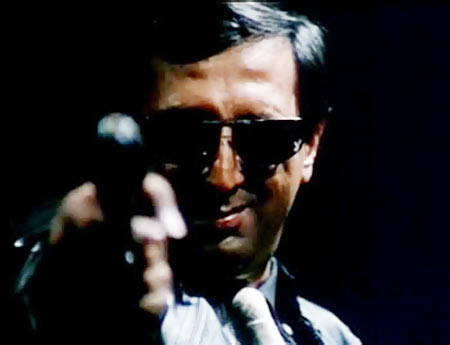 Tinnu Anand debuted as an actor in Kamal Hasaan's Pushpak.