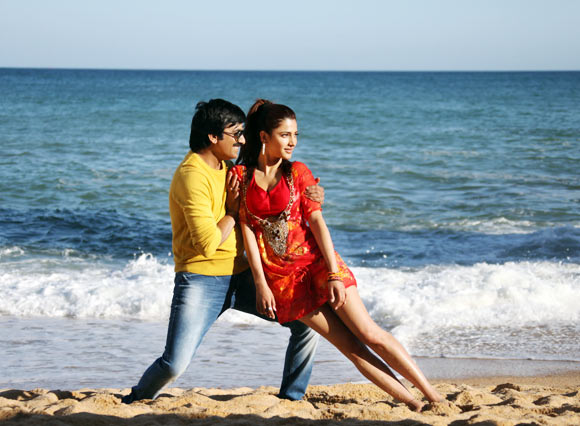 Ravi Teja and Shruti Haasan