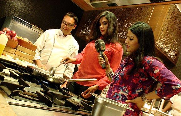 Richa Chadda cooks gatte ki biryani