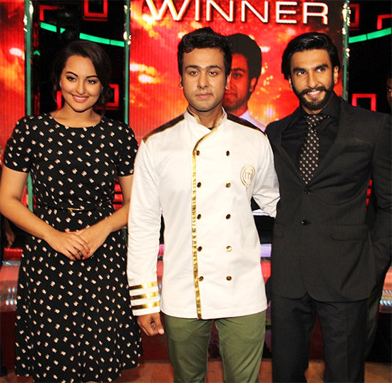 Sonakshi Sinha, Ripu Daman Handa and Ranveer Singh on the sets of Masterchef India 3