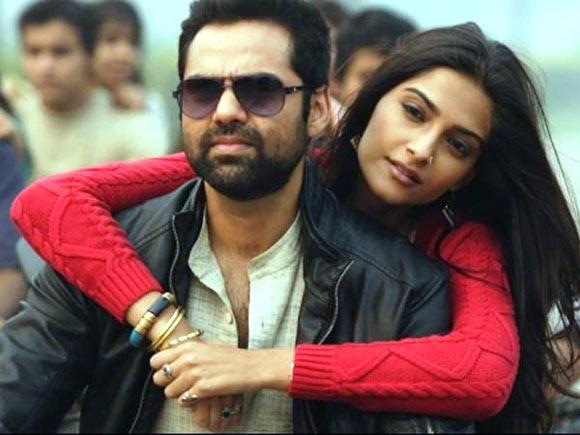 Abhay Deol and Sonam Kapoor in Raanjhnaa