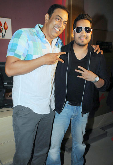 Vindoo Dara Singh and Mika Singh