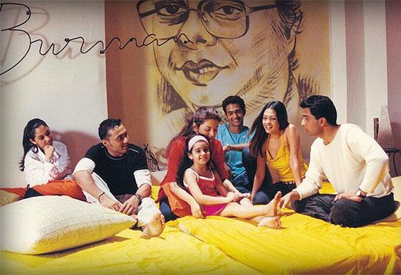 Rinke Khanna, Rahul Bose, Juhi Chawla, Shayan Munshi, Riya Sen and Sanjay Suri in scene from Jhankaar Beats