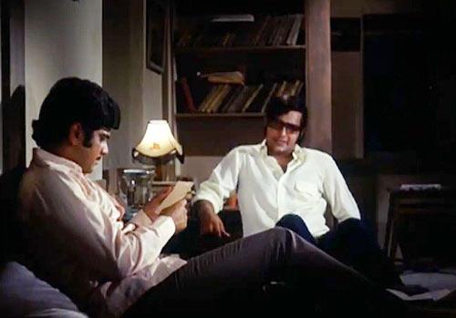 Jeetendra and Vinod Khanna in Parichay
