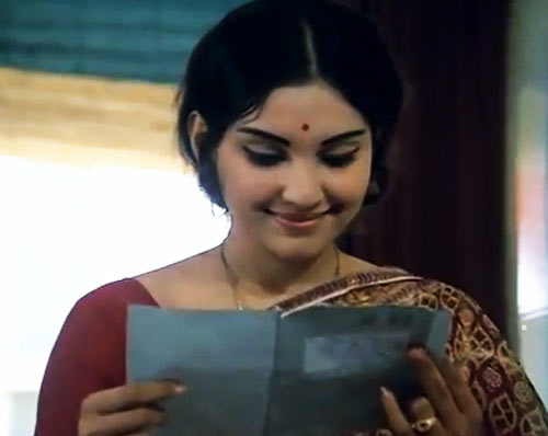 Vidya Sinha in Rajnigandha