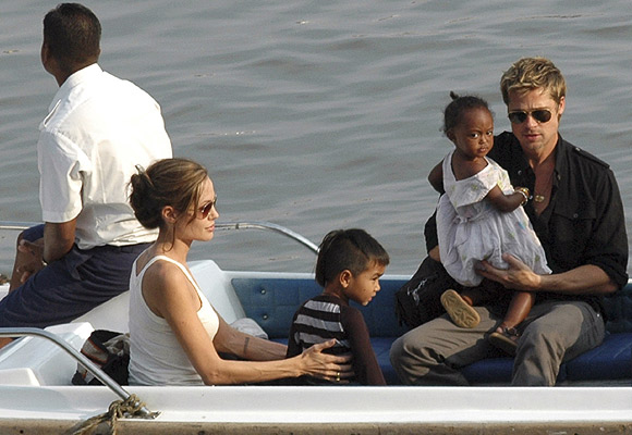 Angelina Jolie and Brad Pitt with  Pax Thien and Zahara