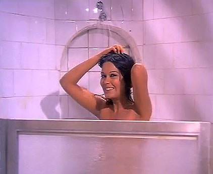 Zeenat Aman in Manoranjan