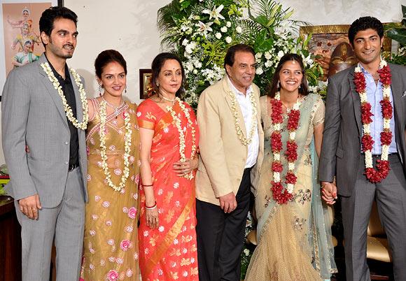 Esha Deol, Bharat Takhtani, Hema Malini, Dharmendra, Ahana Deol, Vaibhav Vora