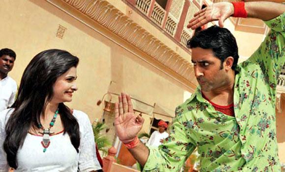 Abhishek Bachchan with Prachi Desai in Bol Bachchan