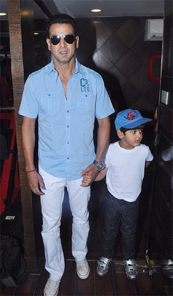 Ronit Roy with his son