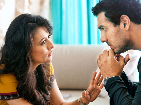 Mini Mathur, John Abraham in I Me Aur Main