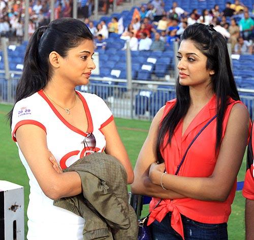 Priyamani and Vimala Raman