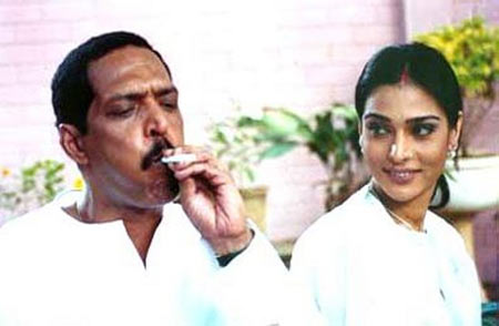 Nana Patekar with Anupama Verma in Vadh
