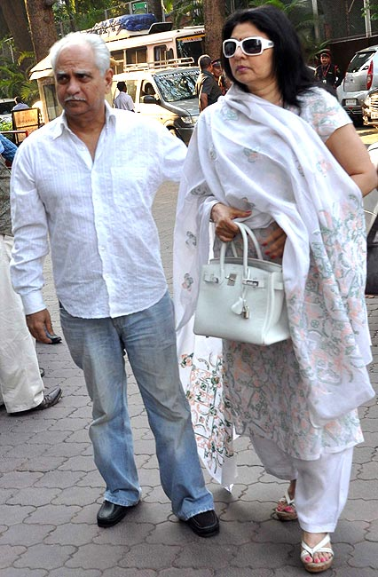 Ramesh Sippy, Kiran Juneja